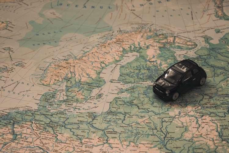 Viaggi low cost: come organizzare un viaggio con un budget minimo